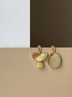 Асимметричные серьги с янтарем 7,37гр.