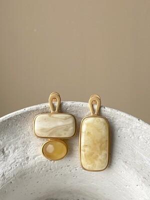 Асимметричные серьги с янтарем 7,32 гр.