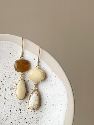 Позолоченные асимметричные серьги с янтарем 9,28 гр.