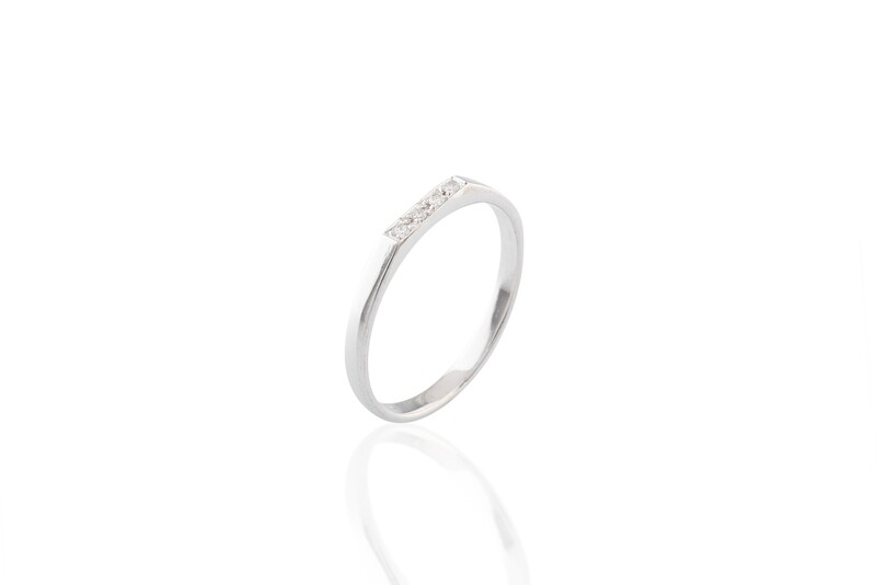 Flat Diamonds Ring