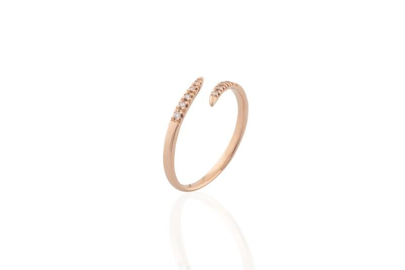 Contrariè Diamond Ring