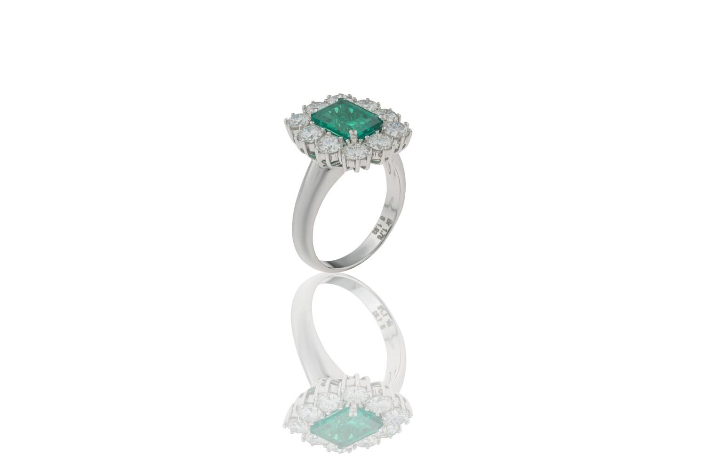Queen Emerald Ring