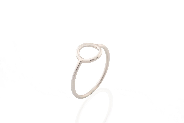 Circle Silouette Ring