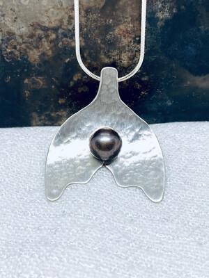 Sølvskje anheng med perle