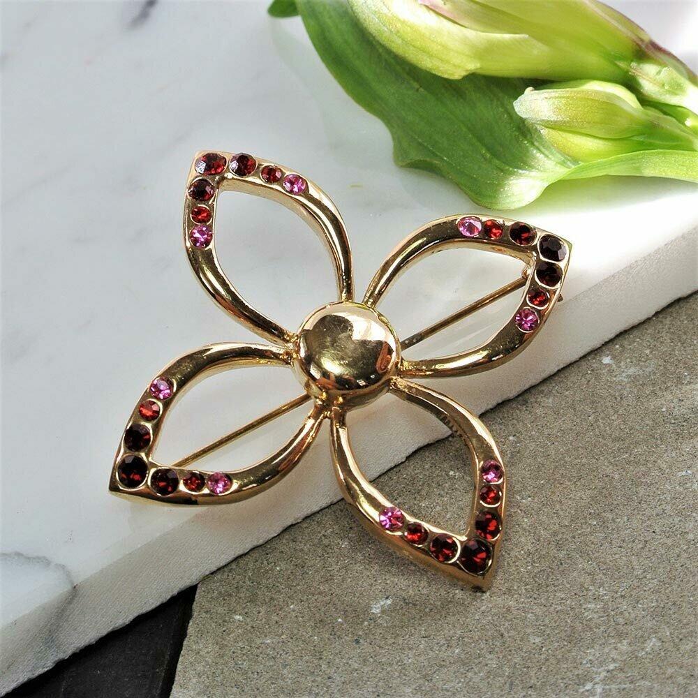 Брошь с бордовыми и розовыми кристаллами