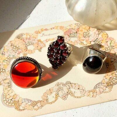 Винтажные кольца с гранатами и сердоликом