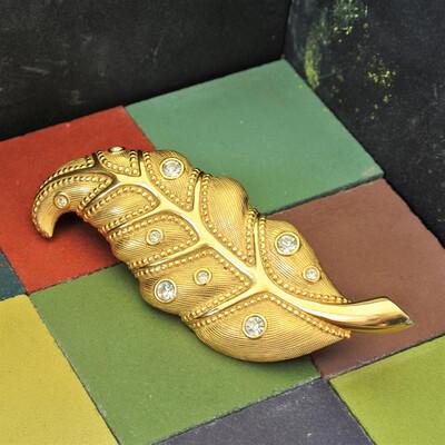 Винтажная брошь Swarovski в виде золотистого листа