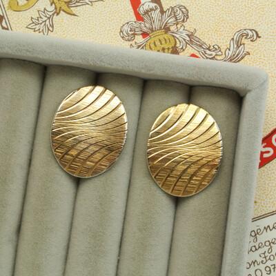 Золотистые овальные серьги