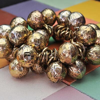 Латунный браслет с шариками