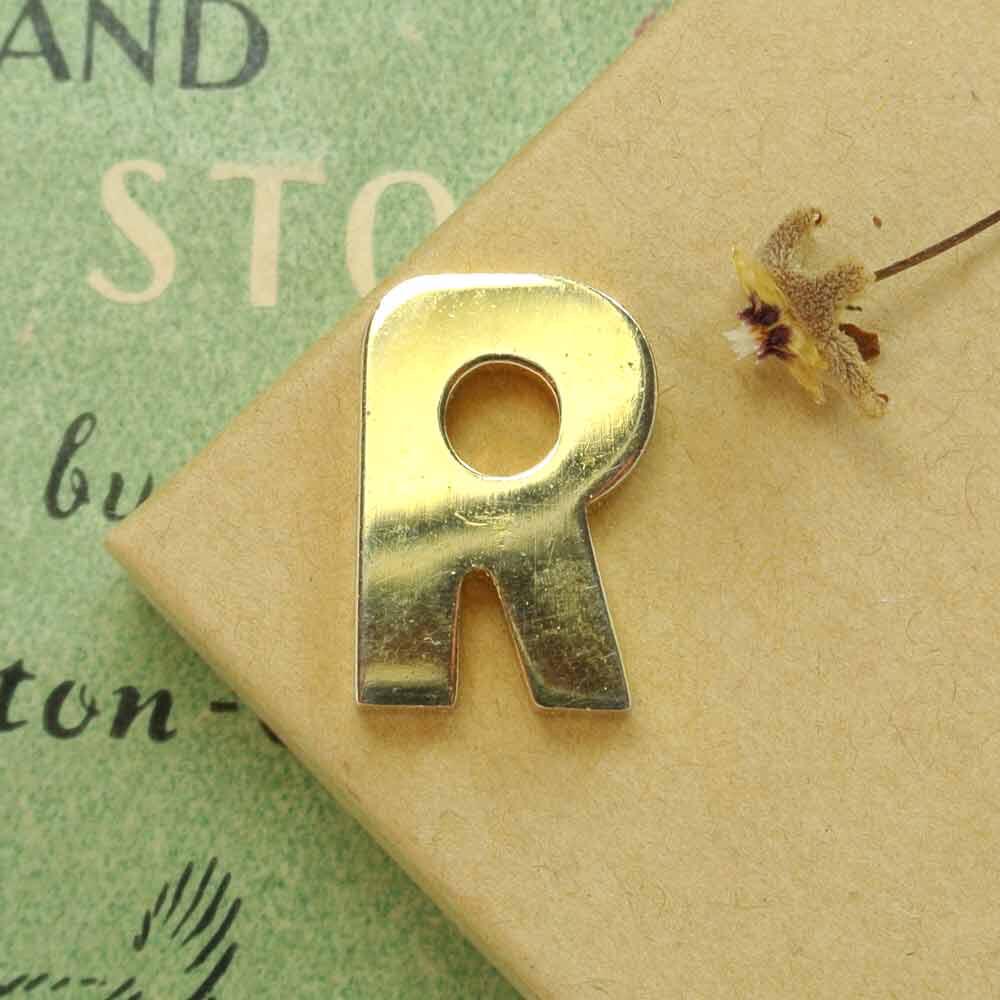 Подвеска в виде буквы R или Я