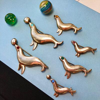 Серебряные броши в виде морских котиков