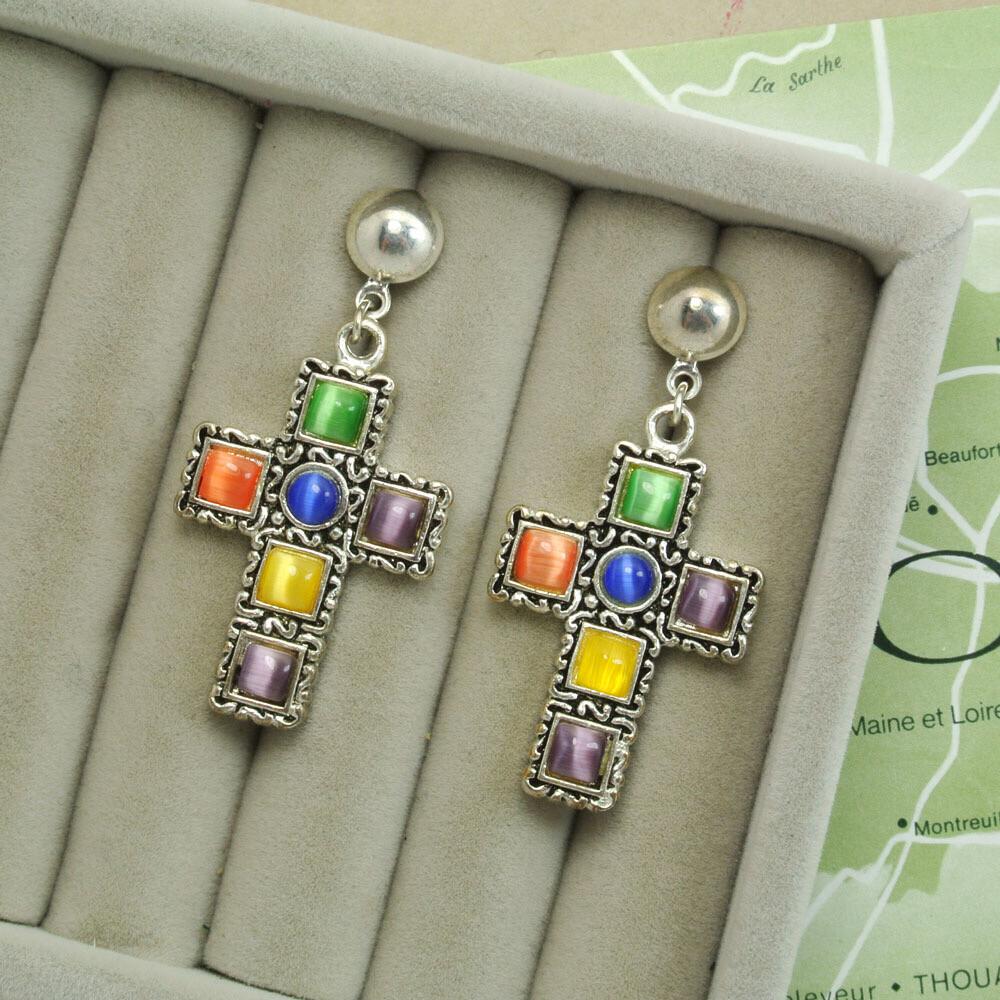 Серьги-кресты с цветными камушками