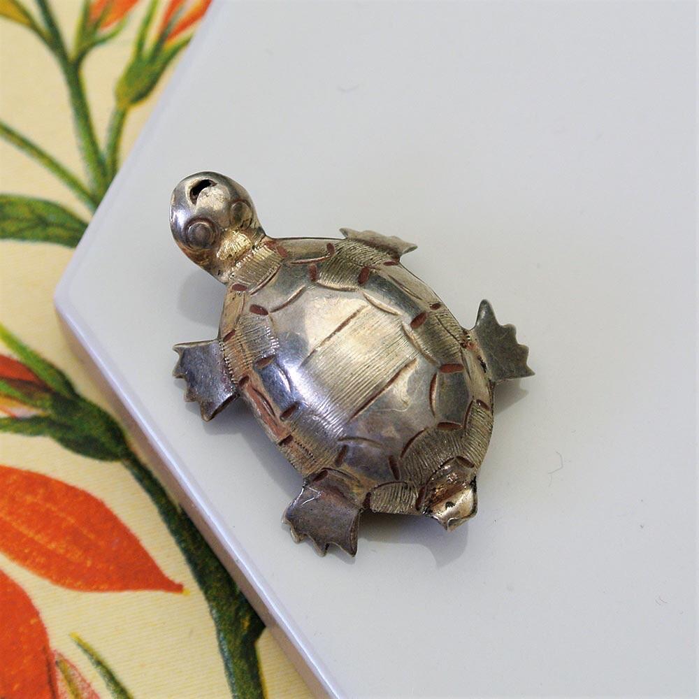 Винтажная серебряная черепашка