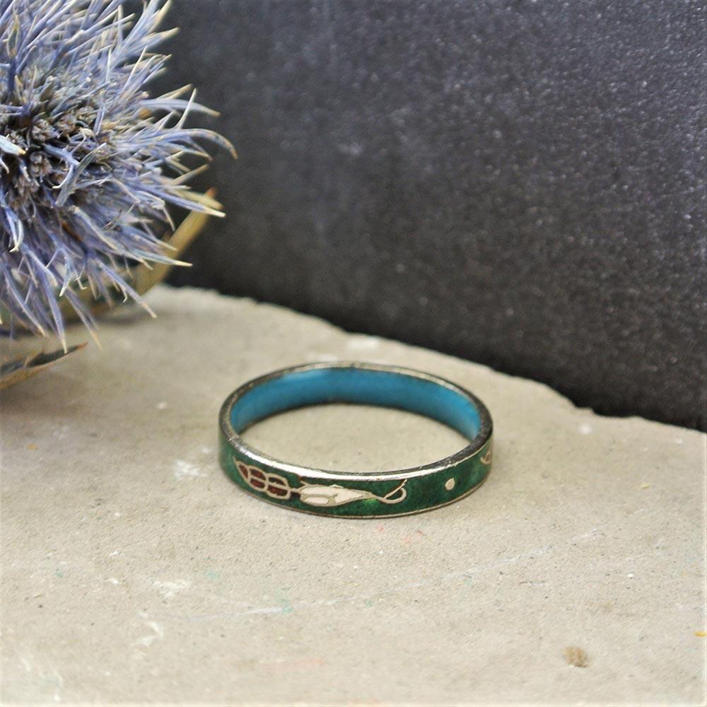 Кольцо с зелёной эмалью клуазоне