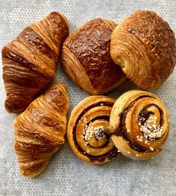 6 mixed pastries