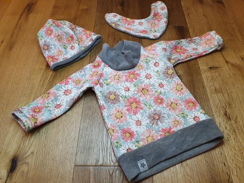 Baby- und Kinderpullover mit Stoffauswahl mit oder ohne Lätzchen