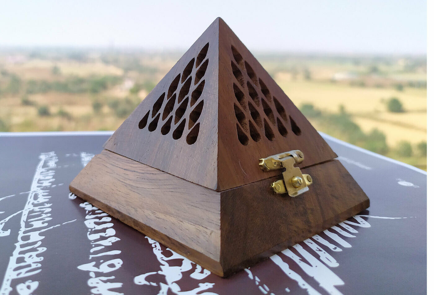 Multi-utility Pyramid Energy Box    Recommended as per Vastu Shastra or Feng Shui