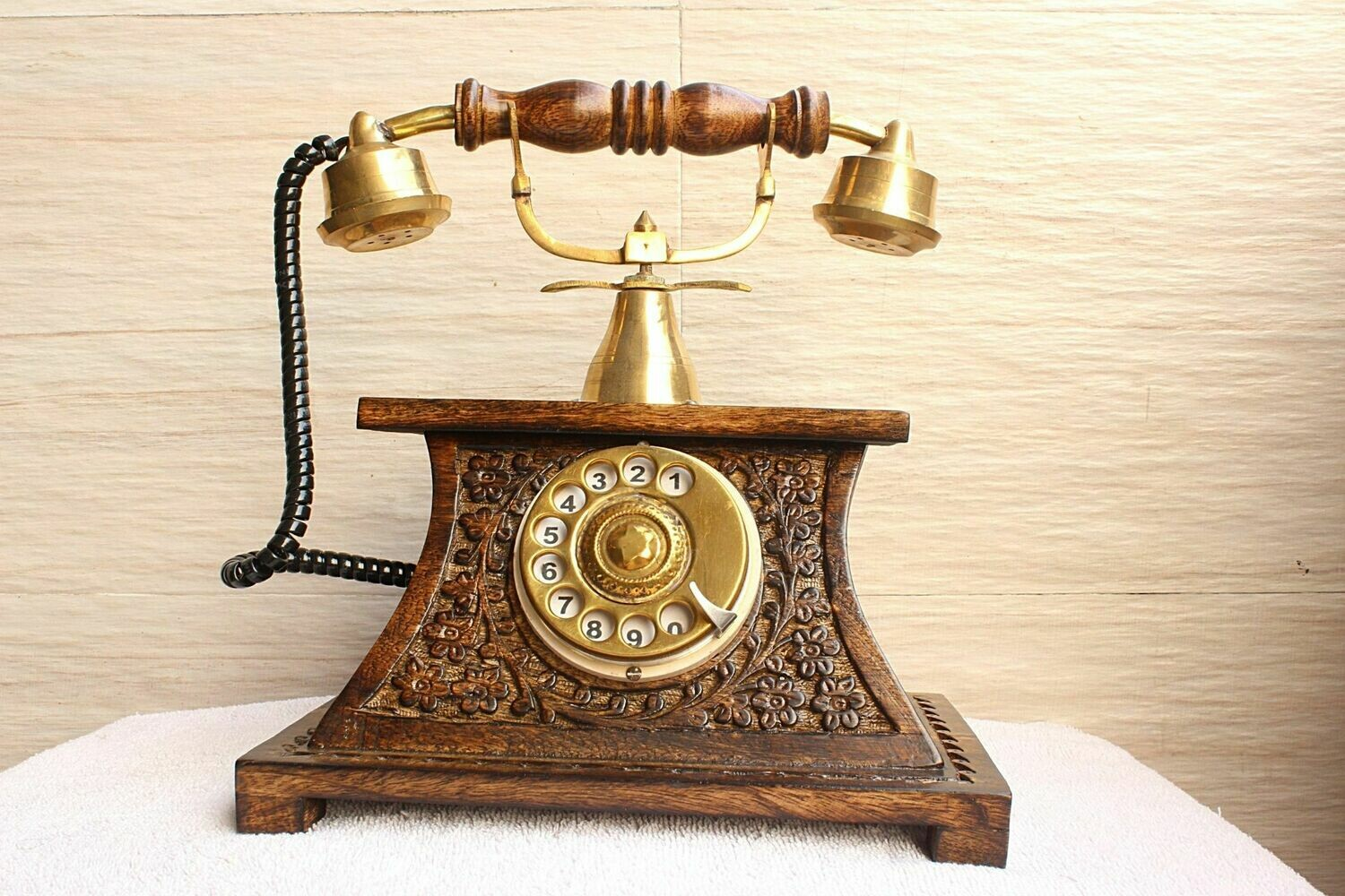 Traditional Vintage Royal Look Wooden Telephone   Old Fashion Rotatory Numbers Dial   Antique Design Rotary Landline Phone
