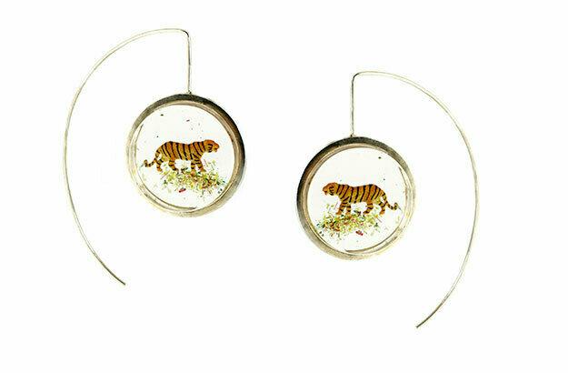 Easy tiger earrings