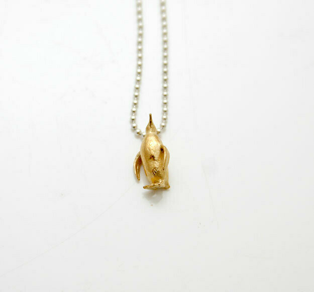 Penguin necklace (yellow gold plate)