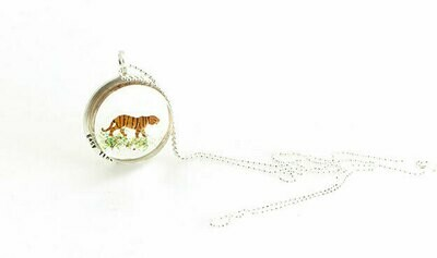 Easy tiger necklace (small)