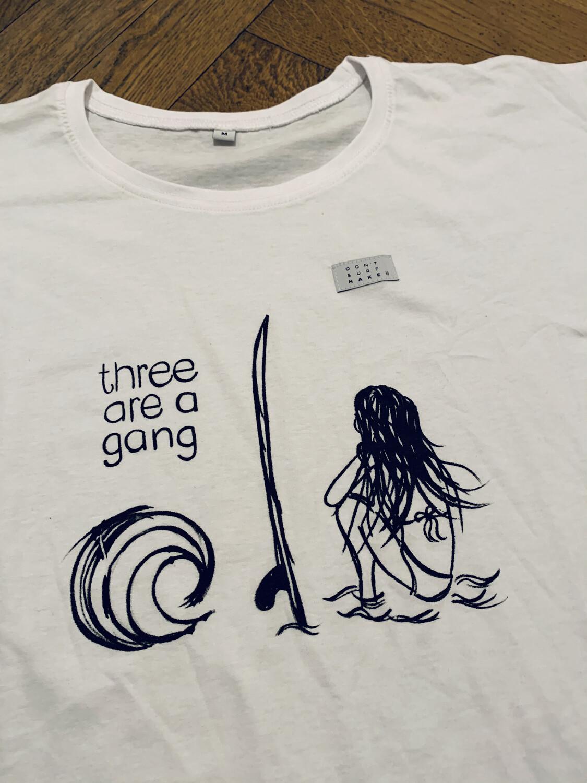 "T-SHIRT ""THREE ARE A GANG"""