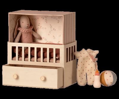Maileg babyroom pink