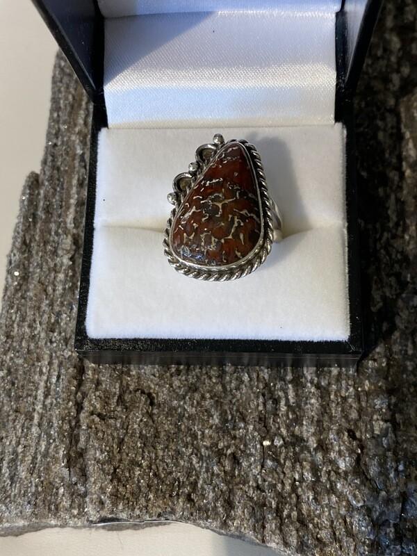 Beautiful silver webbed gem bone ring