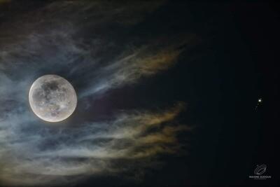 La Lune Gibbeuse et Jupiter