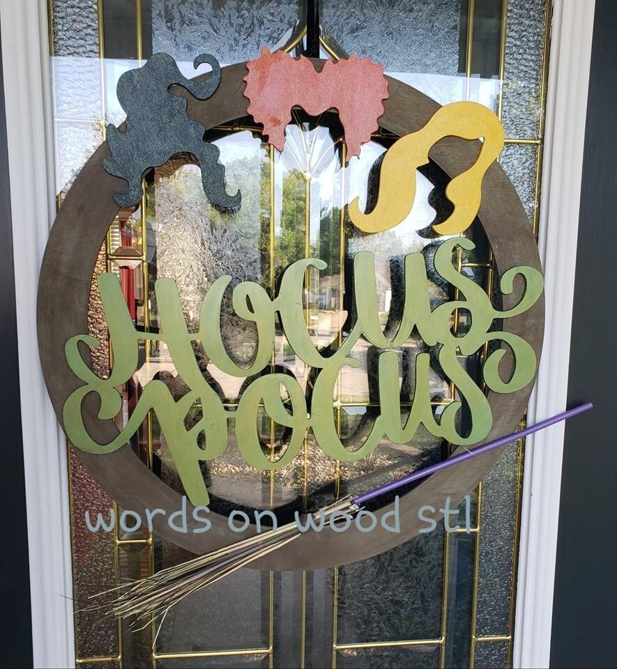 Hocus Pocus Round Door Hanger with Broom