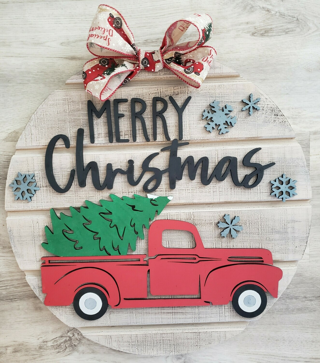 Round 3D Merry Christmas Vintage truck and tree