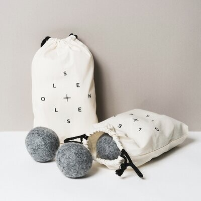 Bag of 6 grey dryer balls