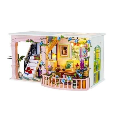 Sweet Patio DIY House