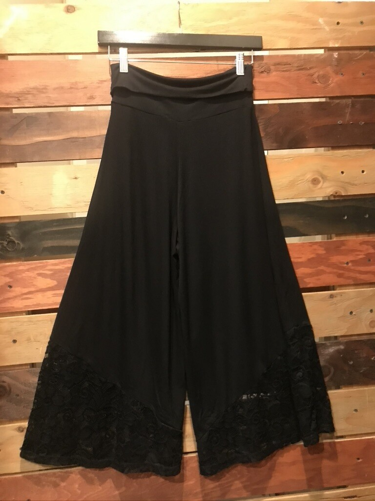 Gaucho Pants with Lace