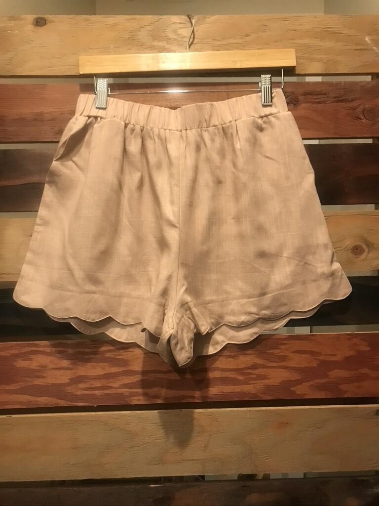 Umgee Blush Scalloped Shorts