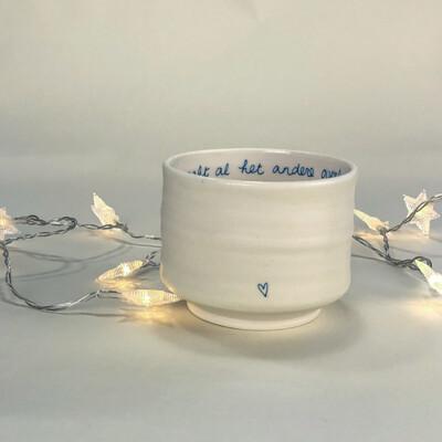 Porseleinen theekom / Porcelain tea bowl