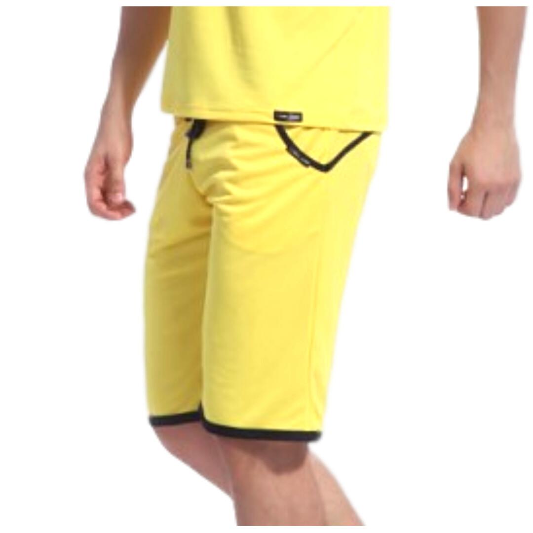Bermudas caballero modelo On color amarillo