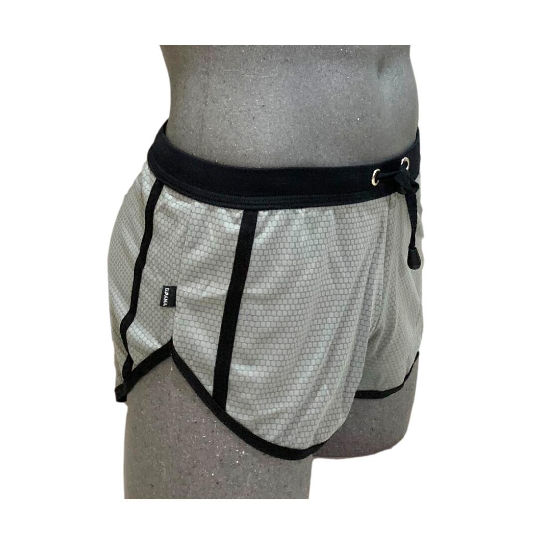 Los shorts cortos hombre, modelo gris-negro