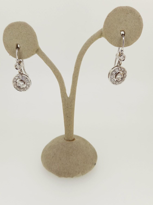 Pendientes de oro blanco con diamantes talla brillante, peso 0,77 ktes, calidad H VVS