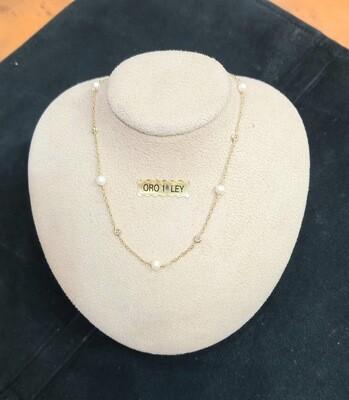 Cadena de oro con motivos,perlas y bolitas de oro