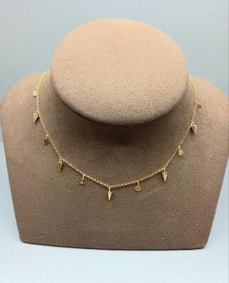 Cadena de plata bañada en oro con colgantes
