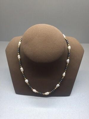 Collar de perlas de oro y  hematites