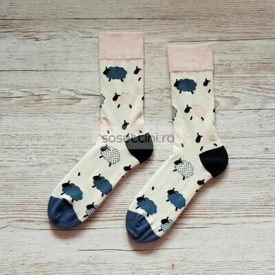 Sosete lungi colorate cu model oite, sosete vesele oite happy socks