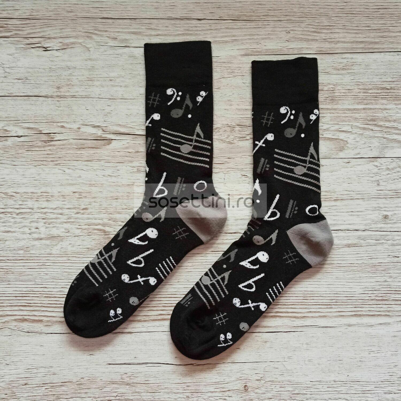 Sosete lungi colorate cu model note muzicale, sosete vesele note muzicale happy socks