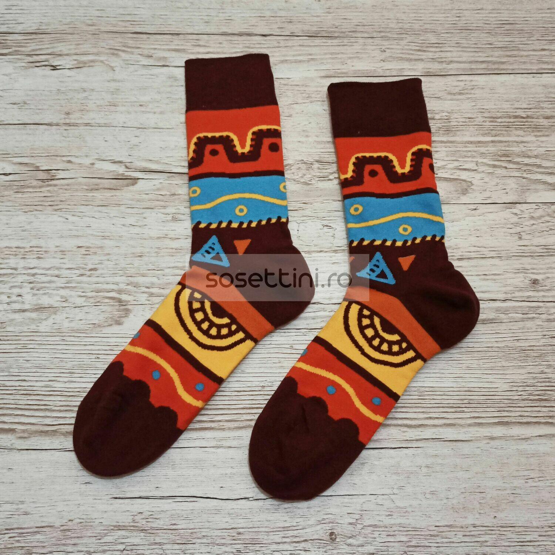 Sosete lungi colorate cu model desene africane, sosete vesele desene africane happy socks
