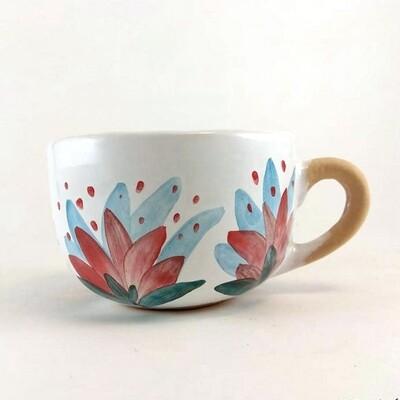 Свеча в керамической чашке