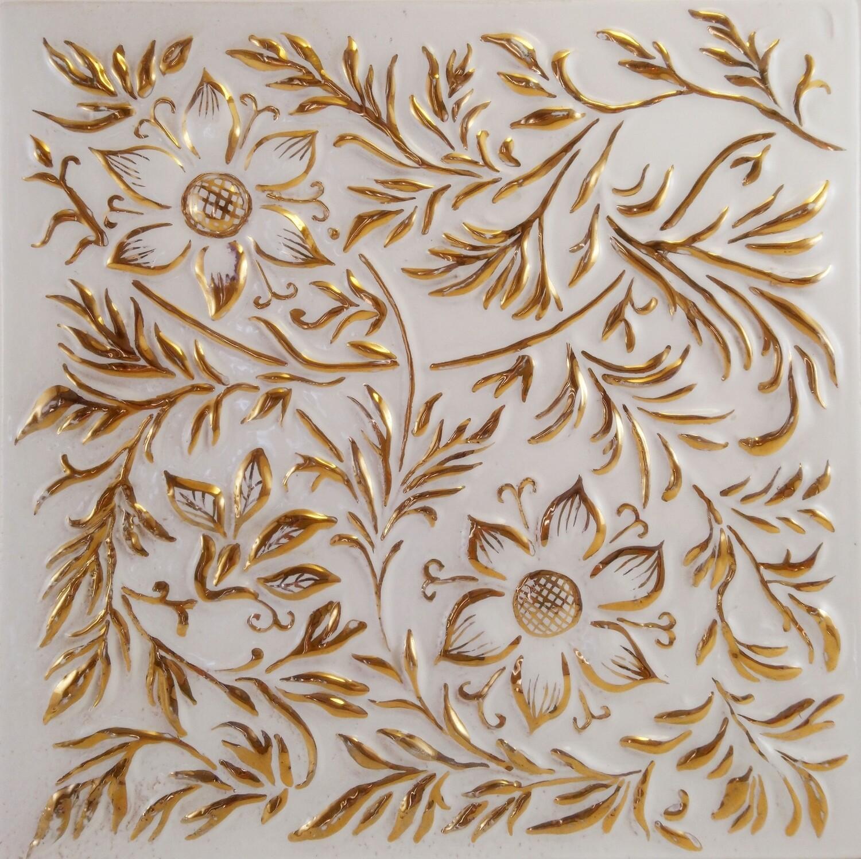 Изразец Растительный, белый с золотом. Размер 200х200 мм