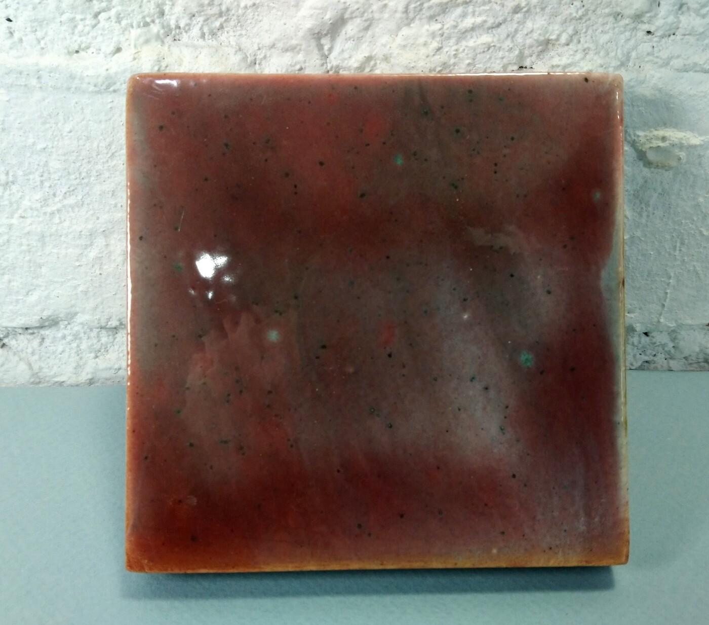 Изразцовая красно-зеленая плитка. Для фасада, кухни, камина, пола. 100х100х14мм