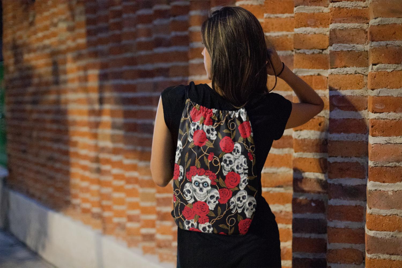 Skull Roses Drawstring Bag