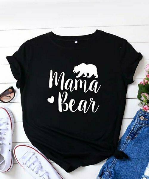 Fée et rit, Черно-белая футболка с силуэтом 'Mama Bear'